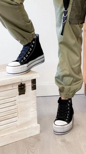 sneakers boho chic negra
