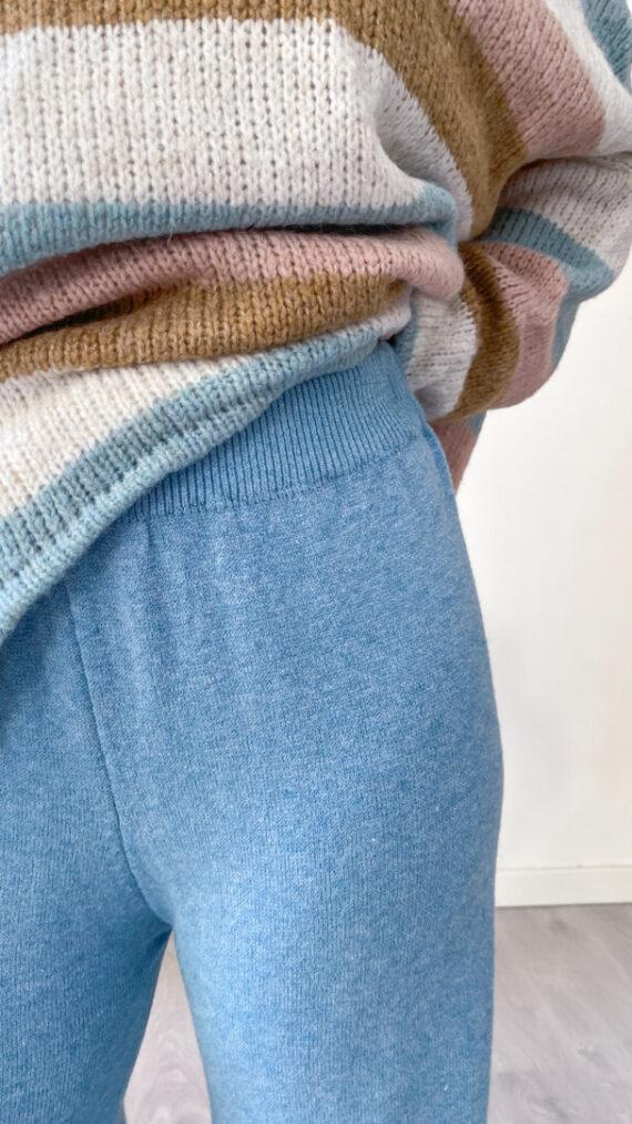 detalle_pantalon_azul_turquesa