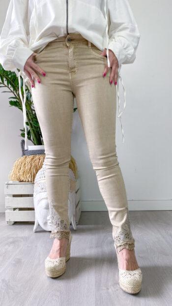 pantalones_tejanos_boho_crema